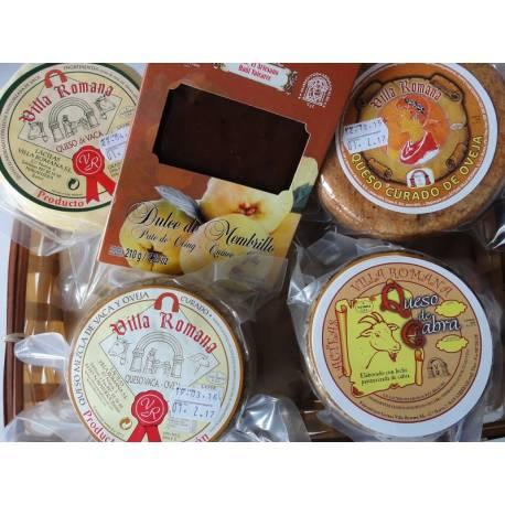 Cesta Regalo Membrillo del Bierzo y quesos artesanos Lácteas Villa Romana